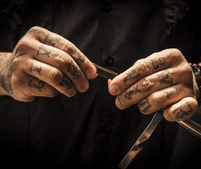 Nas navalhas, Mestre Marinho | Foto: VICCO