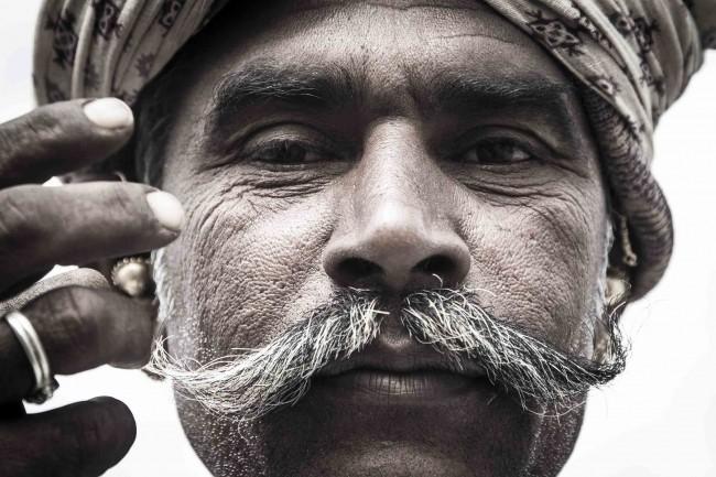 "Exposição ""Gujarat"" na Barbearia Cavalera"